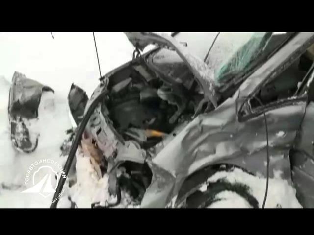 В Челябинской области иномарка столкнулась с грузовиком