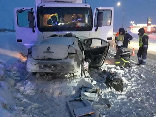 Четыре человека погибли в ДТП с грузовиком на трассе М-5 под Уфой