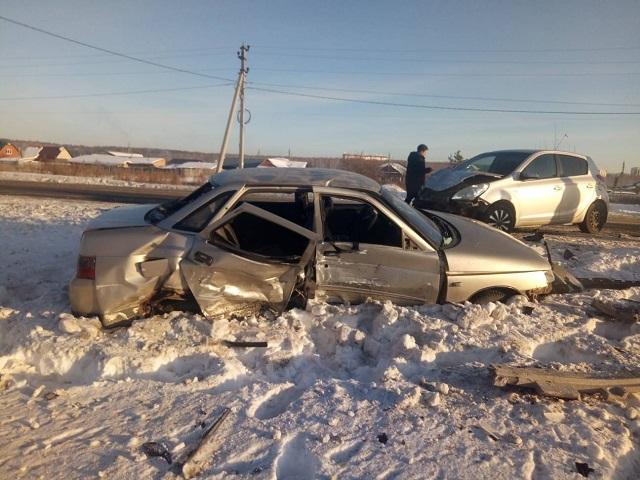 В Челябинской области пассажирка ВАЗа погибла в ДТП