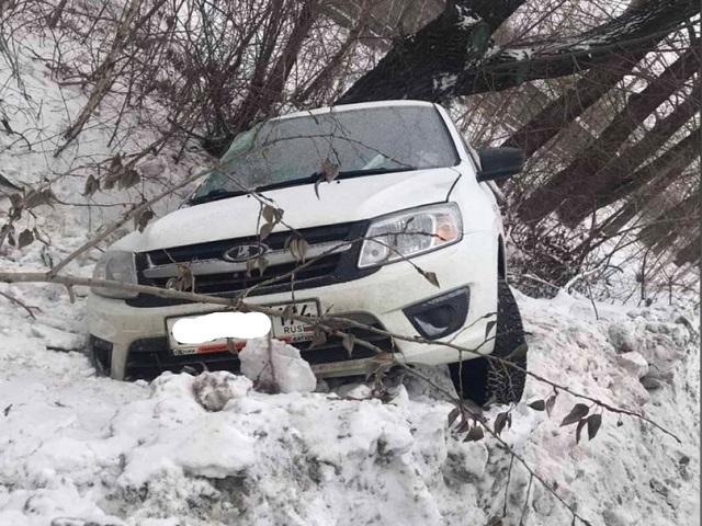 На Южном Урале в смертельной аварии погиб водитель легковушки