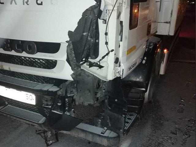 В Челябинской области под колесами грузовика погиб мужчина