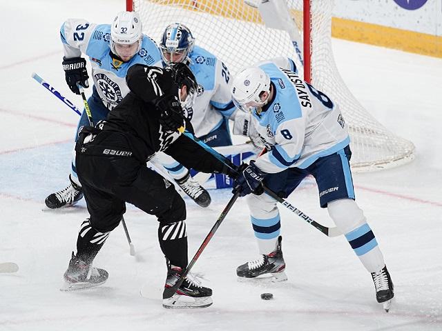 Челябинский «Трактор» проиграл ХК «Сибирь» в матче КХЛ