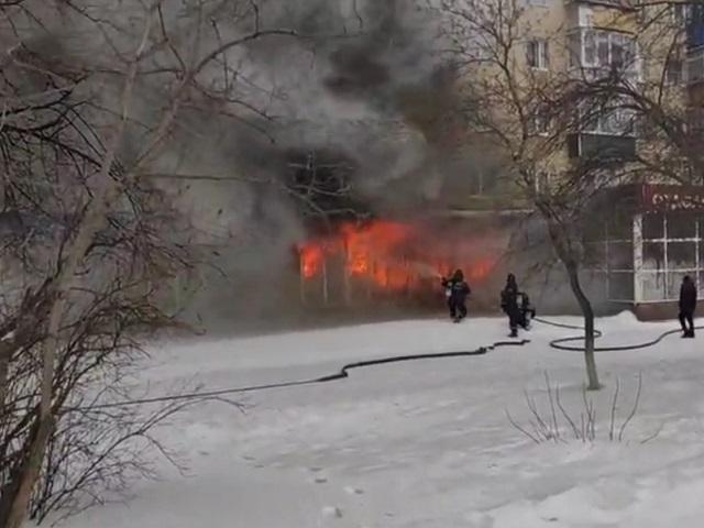 В Миассе сгорел магазин