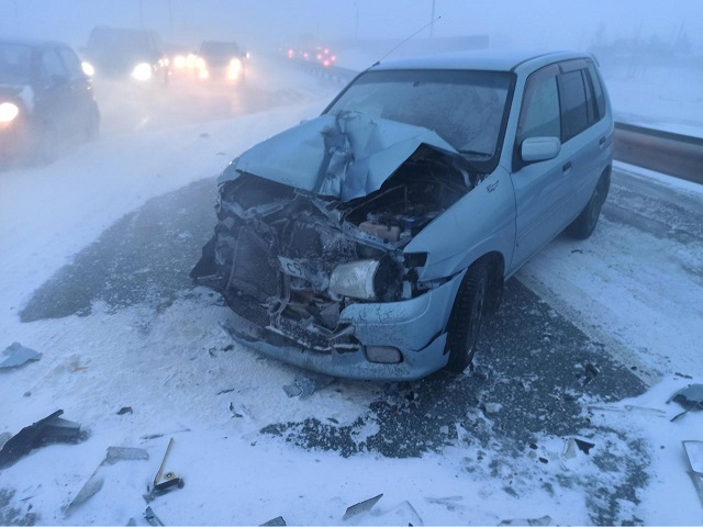В Челябинске в ДТП пострадали три человека