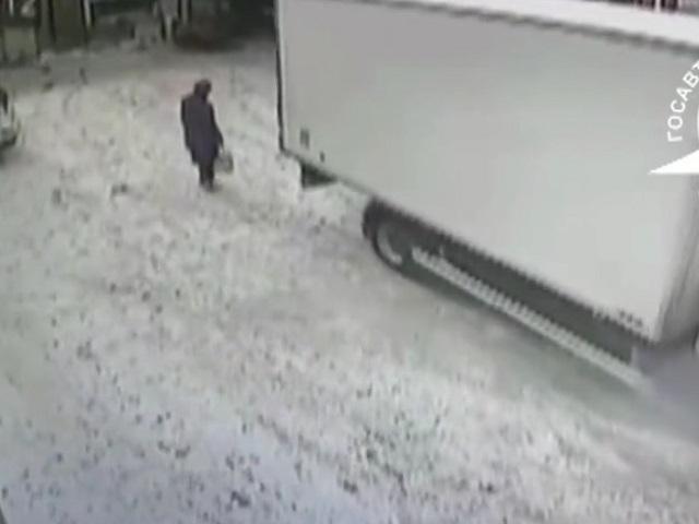 На Южном Урале пенсионерка попала под колеса грузовика