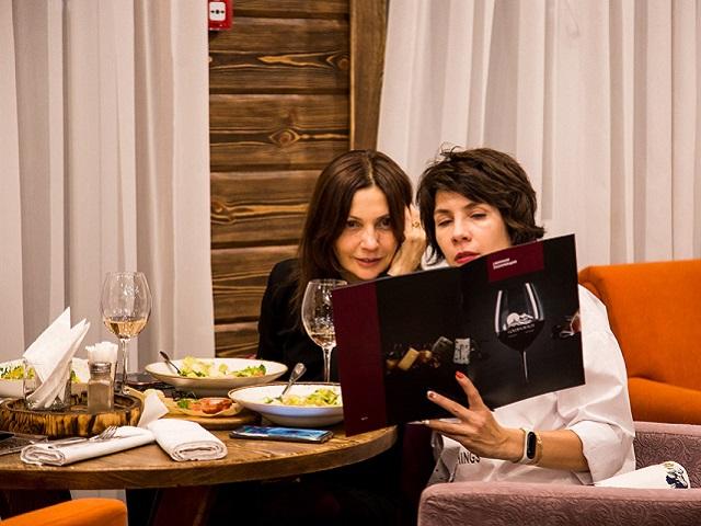 Гастрономический ужин и прямой эфир с виноделом из Бордо – ресторан «Golden Beach» приглашает гостей