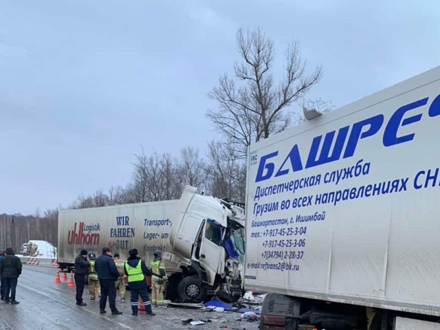 На Южном Урале произошло лобовое столкновение грузовиков