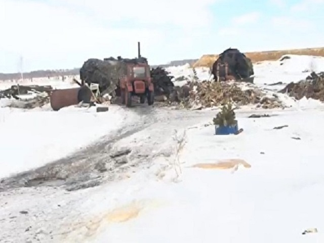 В Челябинской области нашли производство угля для барбекю из железнодорожных шпал