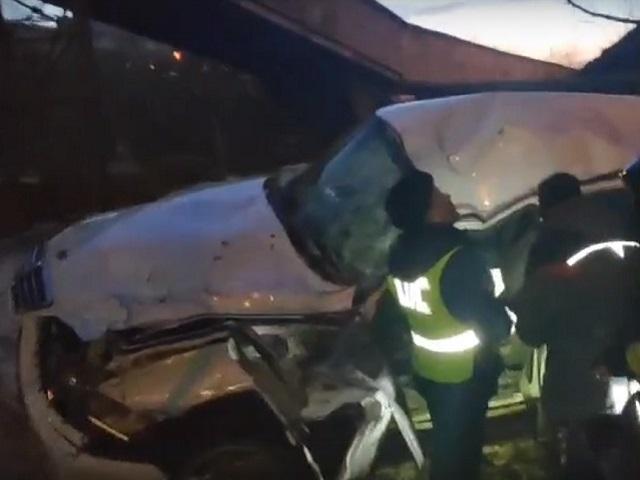 В Челябинской области внедорожник вылетел с моста