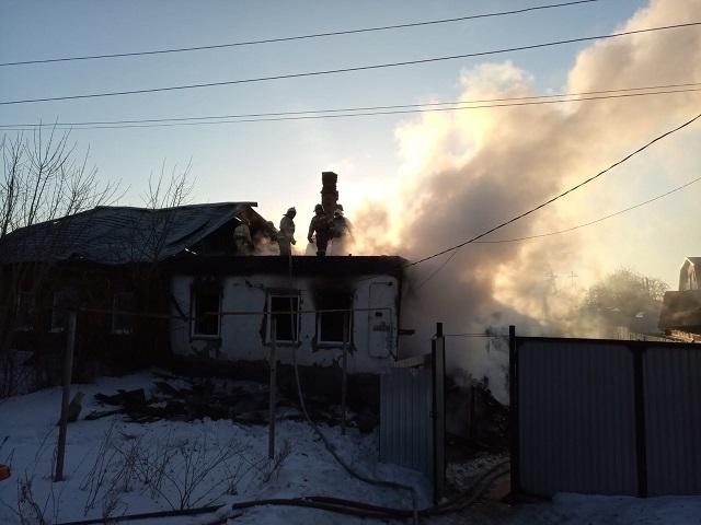 В Челябинской области во время пожара в жилом доме погиб мужчина