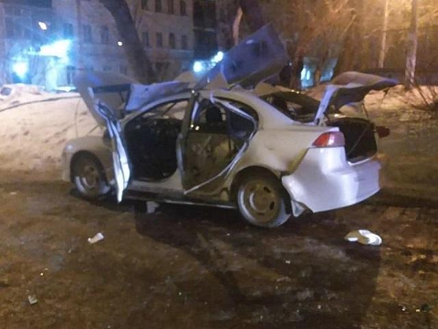 На Южном Урале во дворе жилых домов взорвалась иномарка