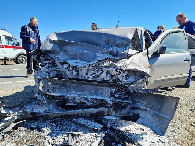 В Челябинской области 23-летние водители пострадали в лобовом ДТП