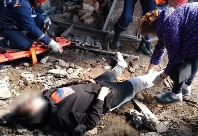 Южноуральский подросток сломал ноги, гуляя по крышам гаражей