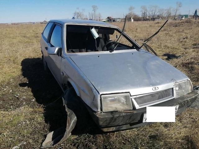 На Южном Урале водитель-новичок улетел с дороги в кювет