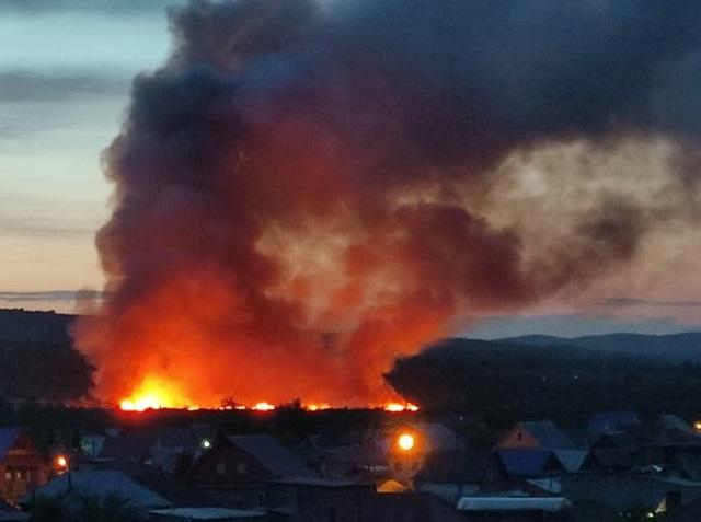 Нечем дышать: в Ашинском районе горит свалка с отходами