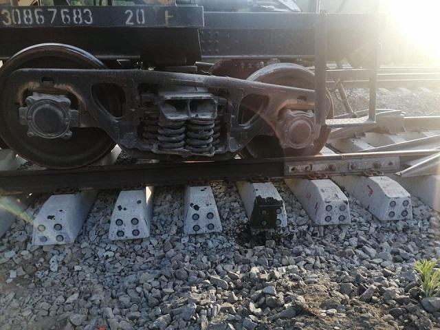 На Южном Урале грузовой поезд сошел с рельсов