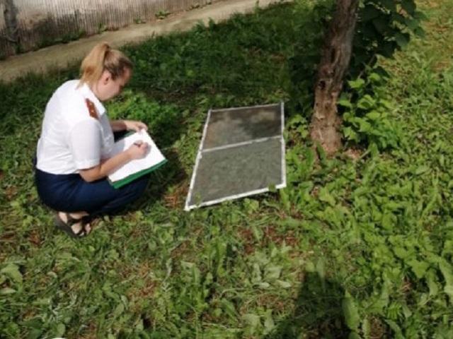 В Челябинской области из окна многоэтажки выпал шестилетний ребенок