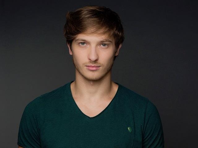 Актер из Челябинской области снялся в сериале «Света с того света»