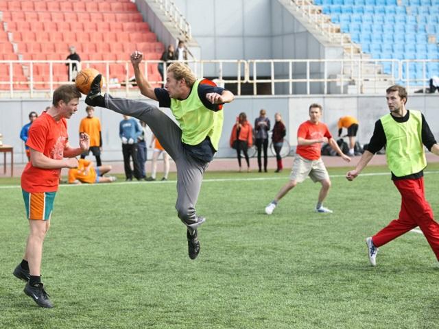 Театральный сезон в Челябинске закроют футбольным матчем