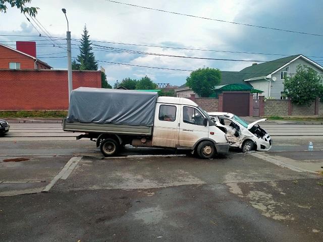 В Челябинской области в ДТП с ГАЗелью погибла женщина