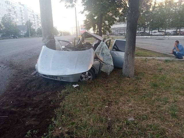 Машина всмятку, пассажир в больнице: 17-летний южноуралец устроил ДТП