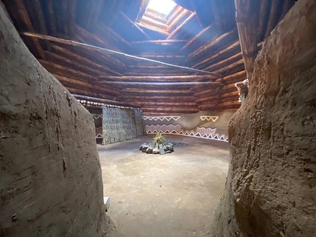 На Аркаиме возродили жилища каменного века