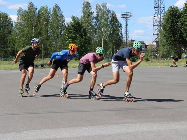 В Миассе лучшие конькобежцы региона оттачивают технику на отремонтированном роликодроме