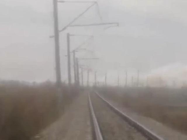 В Челябинской области горит полоса отвода железной дороги