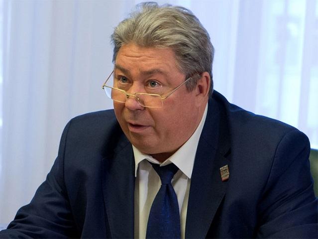 Руководителя регионального отделения ПФР подозревают в получении взяток
