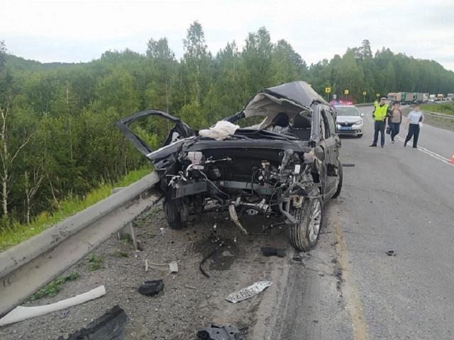 В Ашинском районе в ДТП с лесовозом погиб водитель иномарки