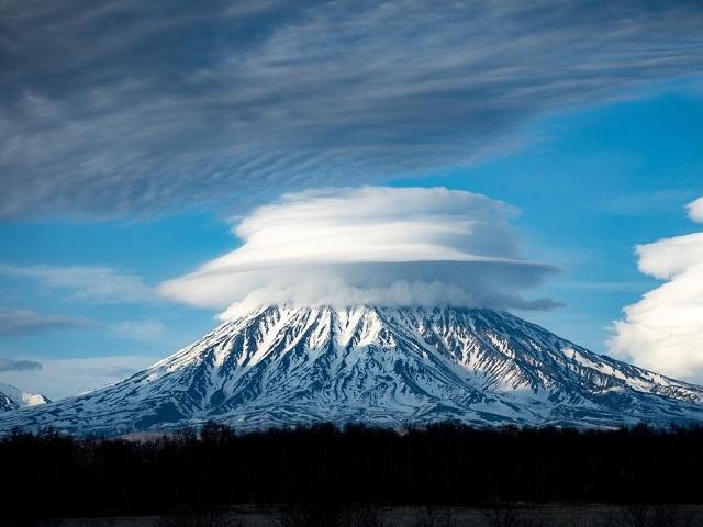 Легкость и безмятежность: лучшие снимки облаков, победившие в международном фотоконкурсе