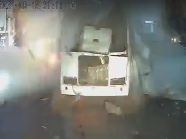 В Воронеже взорвался автобус с пассажирами
