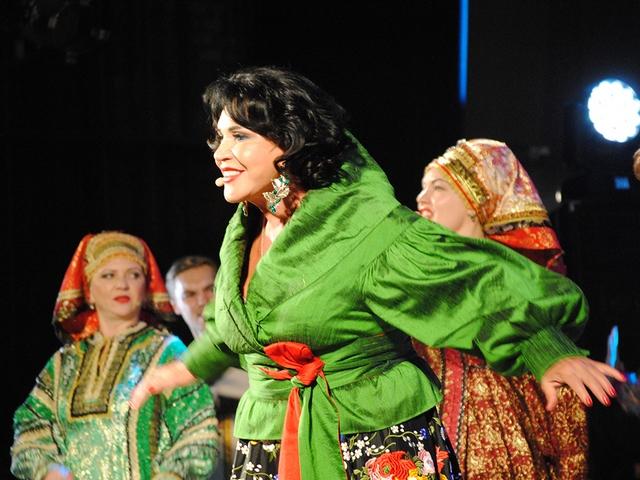 Надежда Бабкина и ее ансамбль «Русская песня» сделали миасцам щедрый творческий подарок
