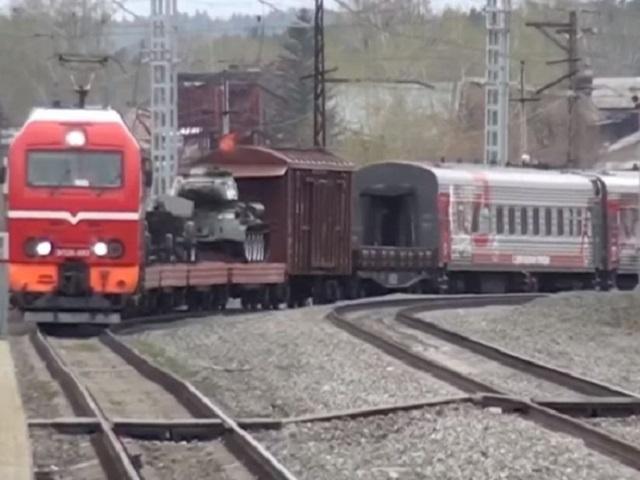 Товарный поезд сбил южноуральца