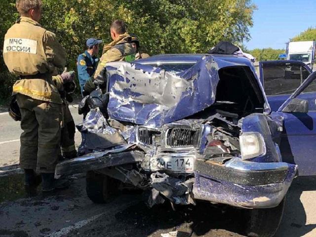 На южноуральской трассе произошла смертельная авария с участием пассажирского автобуса