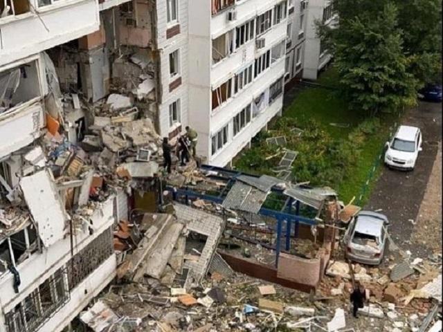 Часть дома обрушилась после взрыва газа в Ногинске