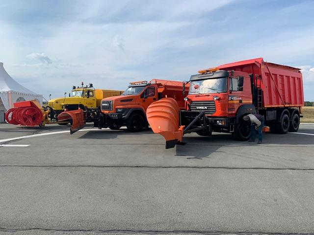 «Уралы» представили на ведущей машиностроительной выставке «СтройДорЭкспо-2021»