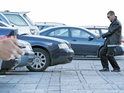 В Челябинске задержали троичанина, вскрывавшего машины с помощью сканера