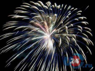 Эффектной точкой в праздновании Дня металлурга и Дня города в Аше стал фейерверк