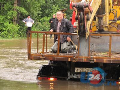 В Златоусте из зоны подтопления эвакуируют жителей