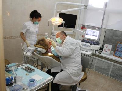 За плохо вылеченные зубы жительнице Златоуста выплатят около 1 млн. рублей