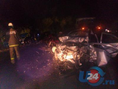 Погибших в ДТП под Миассом из автомобилей доставали спасатели