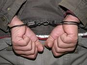 В городе Озерске сотрудники полиции задержали молодого человека за совершение разбойного нападения на свою мать