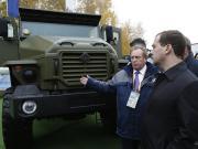 Дмитрий Медведев ознакомился с новой техникой