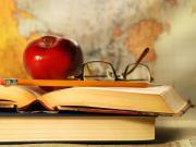 Прокуратура просит обязать школу обеспечить учеников необходимой литературой