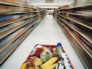 Хотел похитить продукты у пенсионера