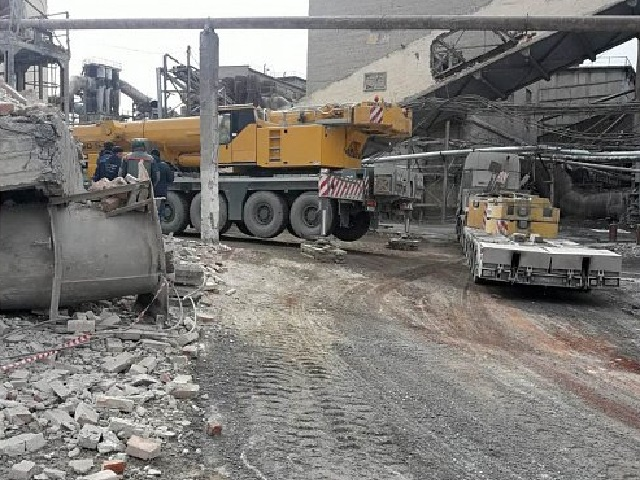 На предприятии в Челябинской области произошло обрушение бункера. Погиб рабочий