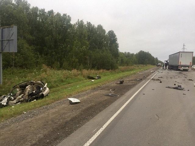 Молодой шофёр «Лексуса» разбился натрассе вЧелябинской области