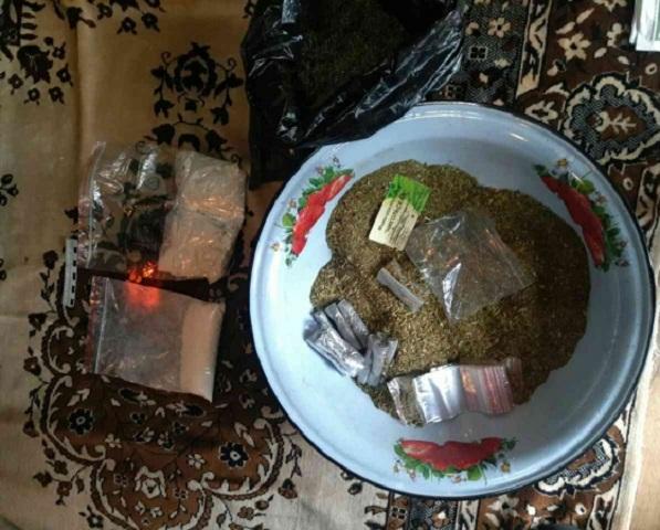Около 2-х килограммов «синтетики» изъяли полицейские унаркодилеров вЧелябинске иКопейске