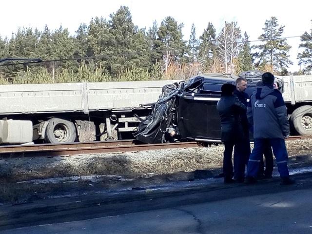 Отец и дочь погибли в ДТП с грузовиком в Челябинской области